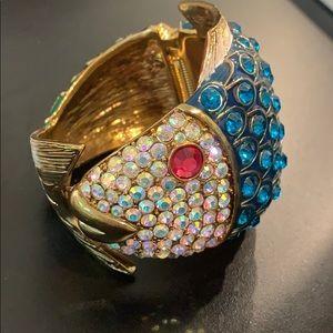 Glam fish bracelet